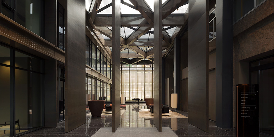 door-harryvan-gerealiseerde-taatsdeuren-bij-the-new-atrium-in-amsterdam_2-c-fritsjurgens-kopieren